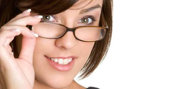 モテるメガネ女子になるための【顔型別】メガネの選び方