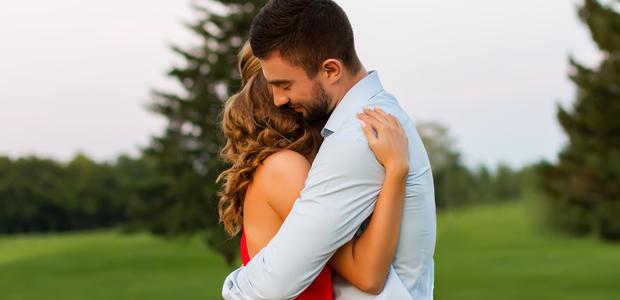 もう妻を愛せない…夫の「浮気」の裏に潜んでいる夫婦の問題とは?