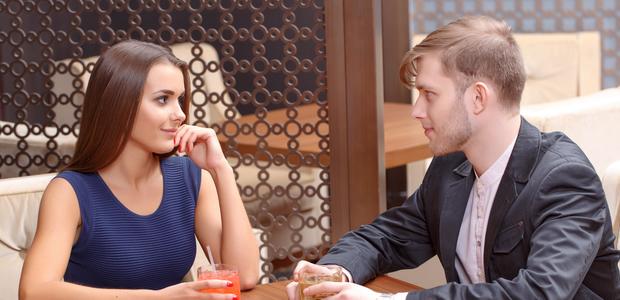 しゃべり下手でも大丈夫! 婚活パーティーのトークタイムは「質問力」で勝負する