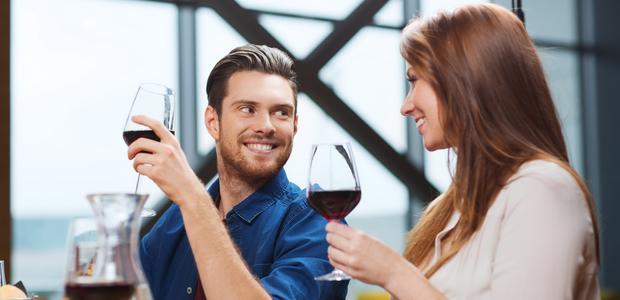 婚活パーティーで連絡先を交換した後、どうデートに誘えばいい?