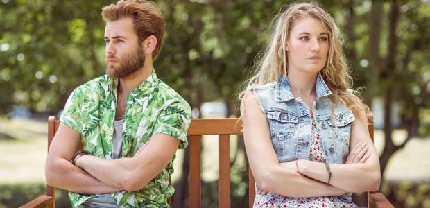 実家通いが離婚の原因に? 「親離れできない妻」にイラつく男性たち