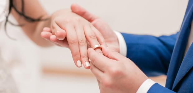 彼が「結婚相手選びで重視すること」がわかる! 心理分析