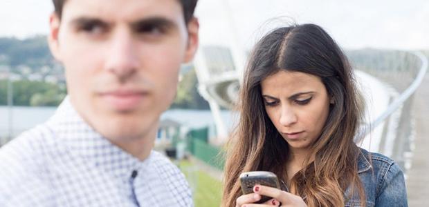 デートでは要注意!彼に嫌われないための「携帯電話・スマホのマナー」