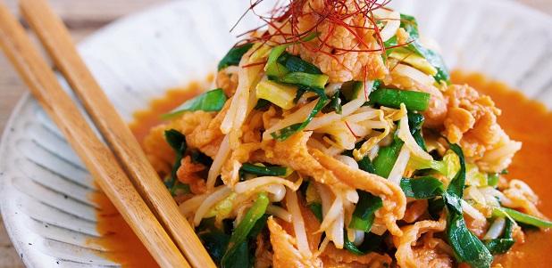 彼の食欲アップ! レンジ&ワンボウルでラクラク!豚肉とたっぷり野菜のスタミナ炒め