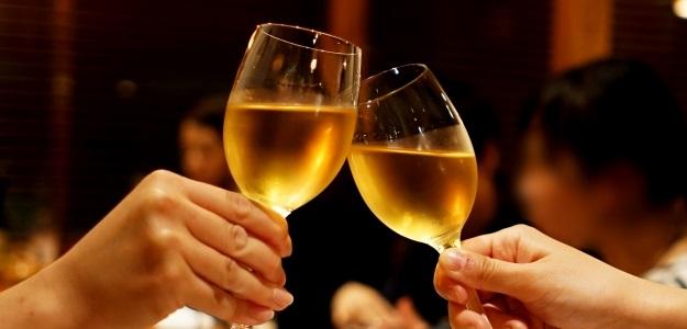 婚活パーティーで初対面の人へのスマートな誘い方、カップルになる可能性を高める方法