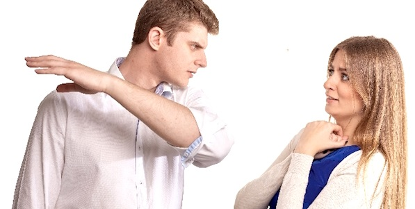 DVやモラハラ被害に遭いやすい人とは?4つの心理学的特徴と対策を解説します