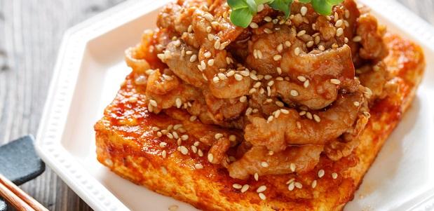 焼肉のタレでラクラク♪お財布にも身体にも優しい♪『豆腐ステーキの焼肉のっけ』
