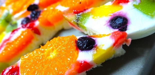 食欲倍増、楽しさ倍増、でも 35kcal! 簡単★さくさくフルーツヨーグルトバー