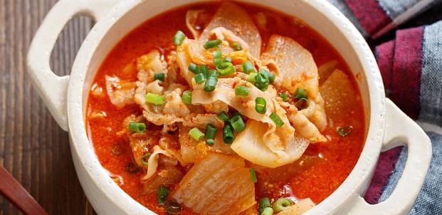 忙しく頑張る方に♪おかずもスープもこれ一つ♪『豚バラ大根のチゲ風おかずスープ』