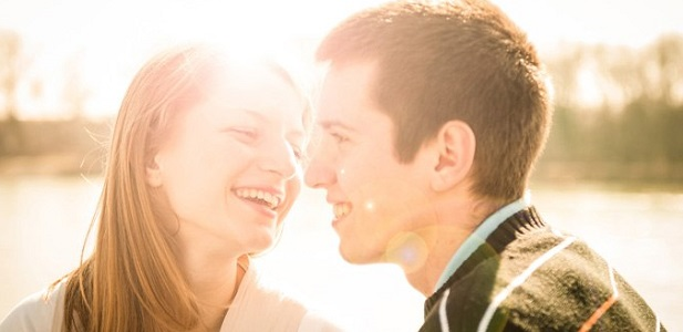 未婚男女の半分以上が恋人ナシ!「恋愛が面倒」と感じるのはなぜ?