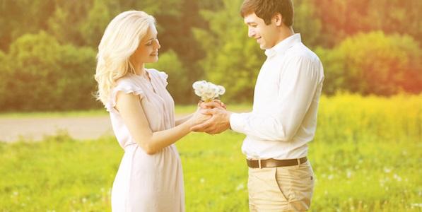 【恋愛・結婚の長続きのコツ】「イベント・記念日」を好む女性心理を解説します。