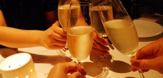 大人数の大規模な婚活パーティー、好みの人に近づくコツは?