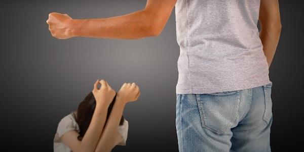 「デキる女性」もDV被害に遭いやすい?キャリア女性達を襲うDVとは